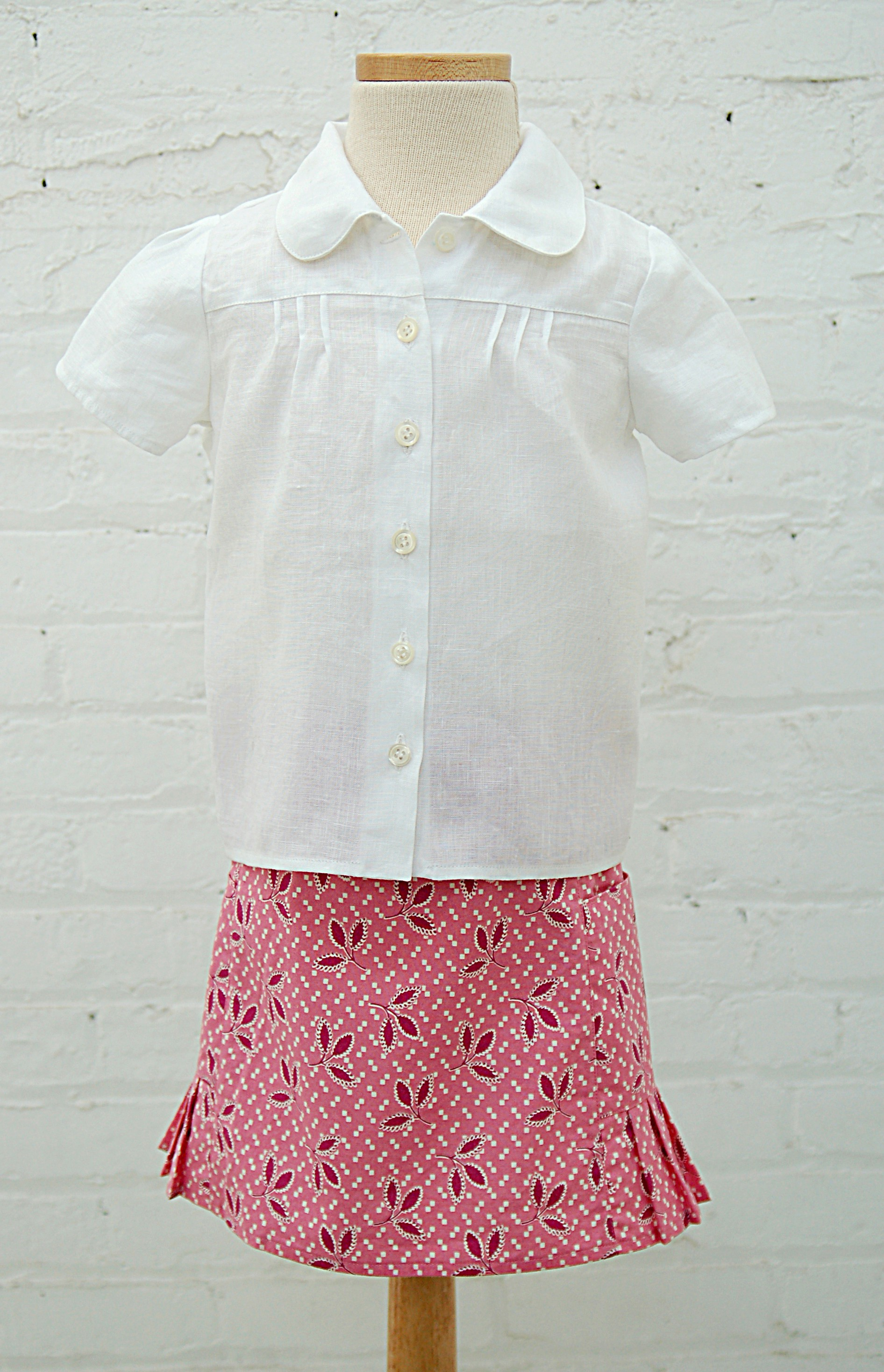 Music class blouse blog oliver s there are three little pintucks on each side of this blouse front and back the pintucks graduate slightly in length for an interesting and subtle detail jeuxipadfo Image collections