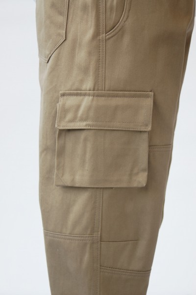 Field Trip Cargo Pants Knee and Cargo Pocket Detail