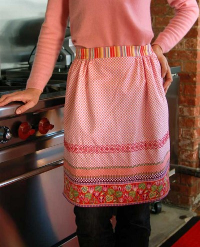 embroider your apron with chicken scratch - The Good WeeklyThe
