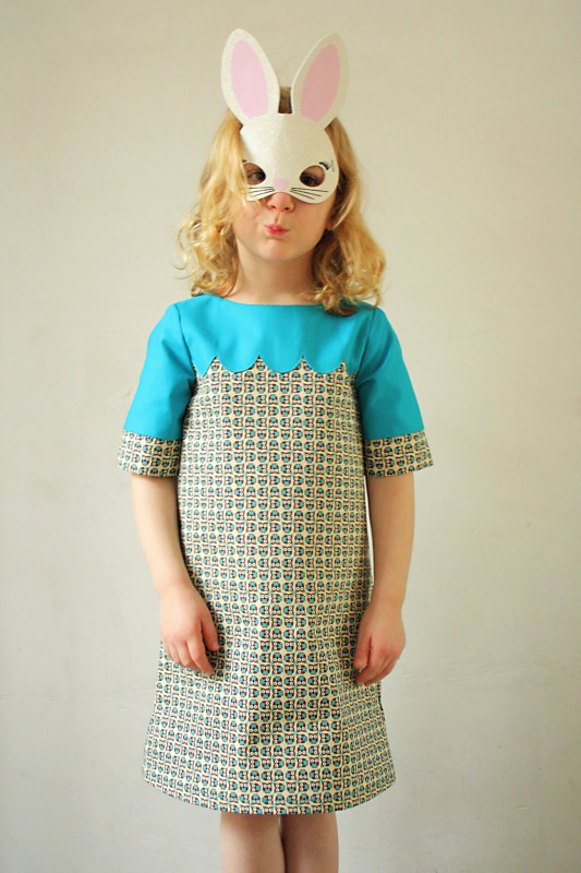 scalloped school photo dress 8