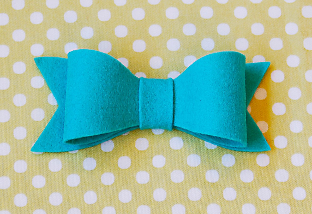Felt bows a free pattern and tutorial blog oliver s for Felt bow tie template
