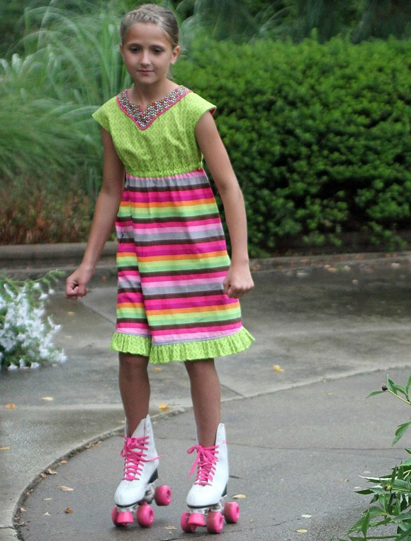 girls-in-the-garden-roller-skate-dress